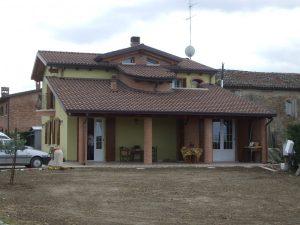 Ristrutturazione e cambio d'uso di una porzione di deposito agricolo in una splendida villetta unifamiliare